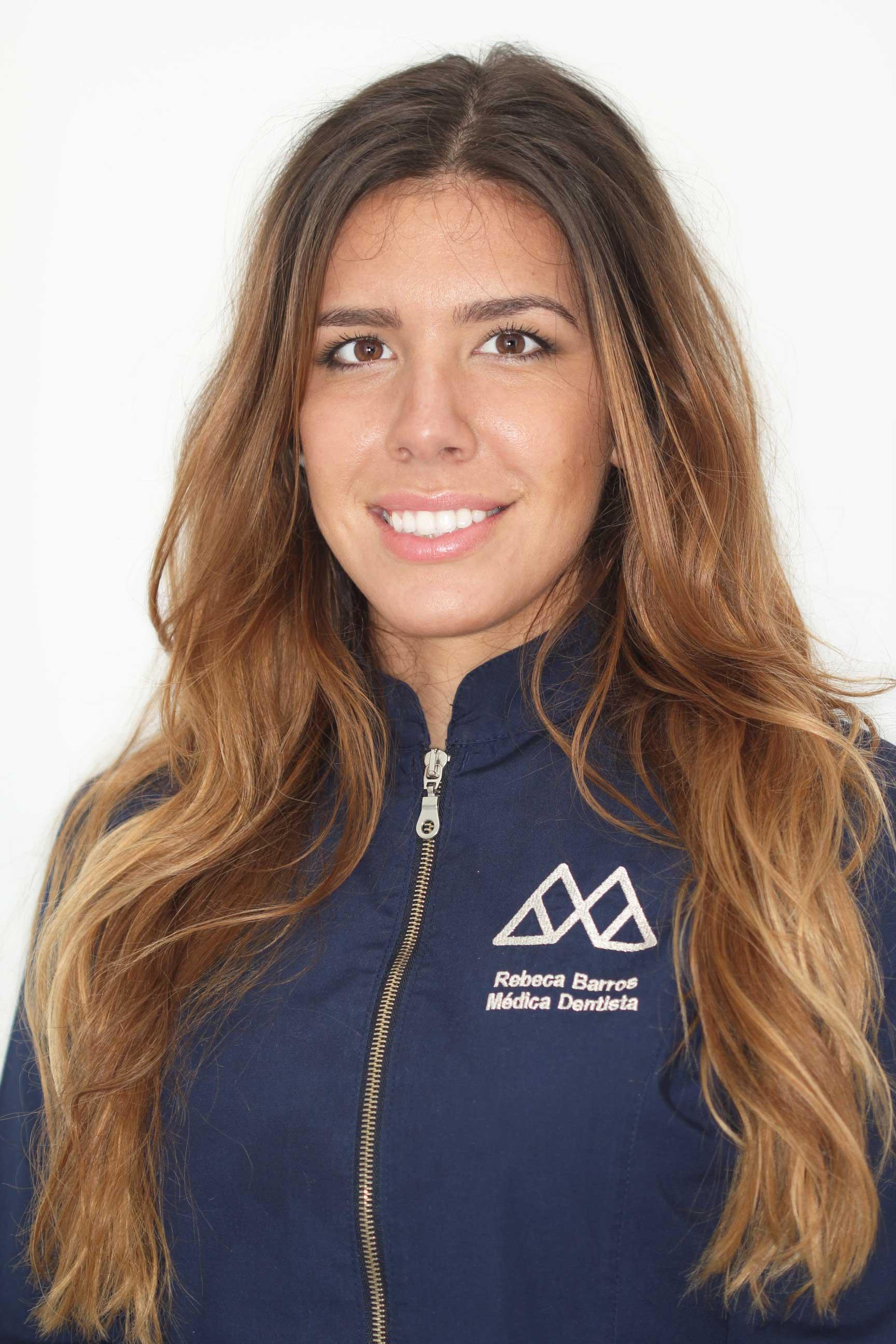 Dra. Rebeca Barros Centro Especializado em Medicina Dentária